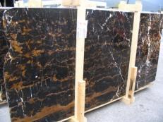 Fourniture dalles brillantes 2 cm en marbre naturel BLACK AND GOLD E-41106. Détail image photos