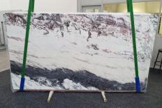 Fourniture dalles brillantes 2 cm en marbre naturel BRECCIA CAPRAIA 1250. Détail image photos