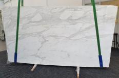 Fourniture dalles brillantes 2 cm en marbre naturel CALACATTA ORO 1286. Détail image photos
