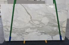 Fourniture dalles brillantes 2 cm en marbre naturel CALACATTA ORO 1227. Détail image photos