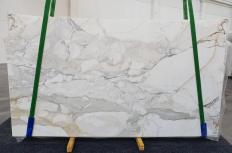 Fourniture dalles brillantes 2 cm en marbre naturel CALACATTA ORO 1232. Détail image photos