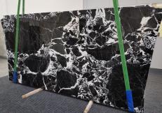Fourniture dalles brillantes 2 cm en marbre naturel GRAND ANTIQUE 1122. Détail image photos