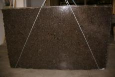 Fourniture dalles brillantes 3 cm en labradorite naturelle LABRADOR ANTIQUE C_17264. Détail image photos