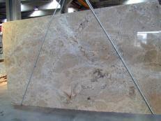 Fourniture dalles brillantes 3 cm en granit naturel MADURAI GOLD X. Détail image photos