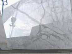 Fourniture dalles brillantes 2 cm en marbre naturel STATUARIETTO E-O414. Détail image photos