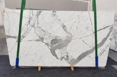 Fourniture dalles brillantes 2 cm en marbre naturel STATUARIO VENATO 1258. Détail image photos