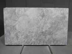 Fourniture blocs polis 2 cm en marbre naturel TUNDRA GREY 1725M. Détail image photos