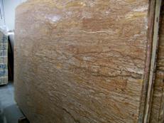 Fourniture dalles brillantes 2 cm en travertin naturel WALNUT TRAVERTINE C-944. Détail image photos