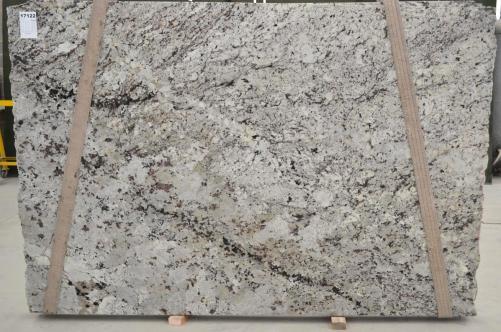 Fourniture dalles brillantes 2 cm en granit naturel WHITE WAVE BQ01435. Détail image photos