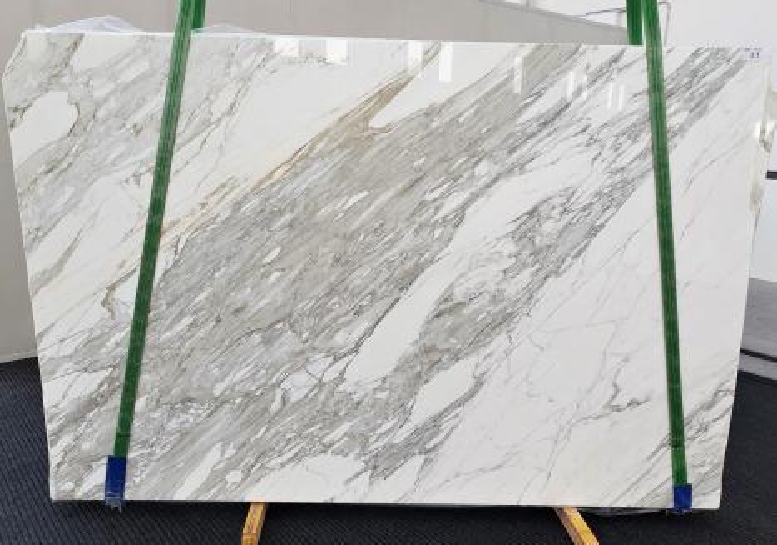 CALACATTA Fourniture Veneto (Italie) d' dalles brillantes en marbre naturel 1344 , B - slab #11