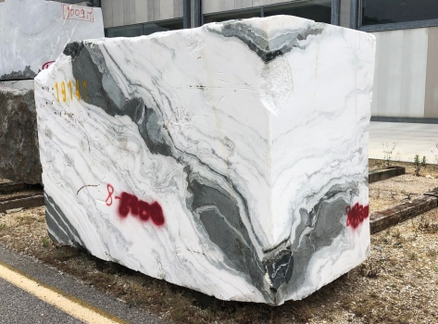 PANDA Fourniture Verona (Italie) d' blocs bruts en marbre naturel 1517M
