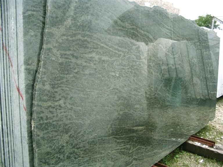 TROPICAL GREEN MARITAKA Fourniture (Italie) d' dalles brillantes en granit naturel EDM25123