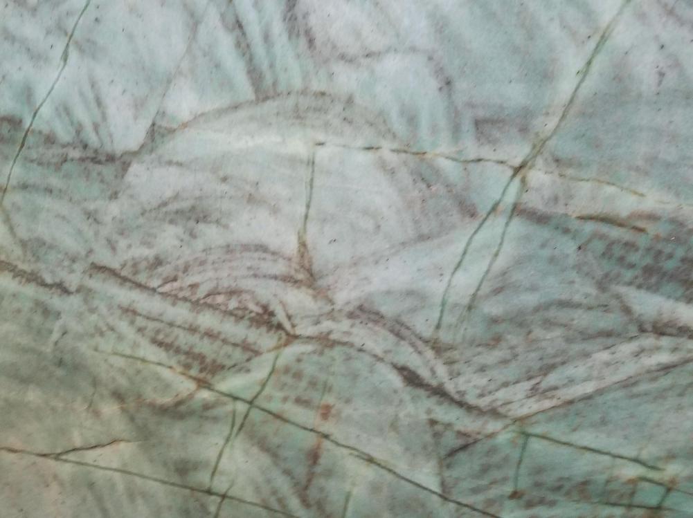 Détaille technique: EMERALD GREEN, quartzite naturel brillant brésilien