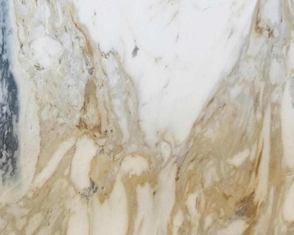 Détaille technique: GOLDEN CALACATTA, marbre naturel brillant grec