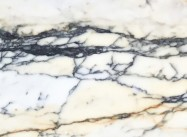 Détaille technique: PAONAZZO, marbre naturel poli italien
