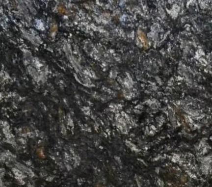 Détaille technique: METALIC, gneiss naturel poli brésilien
