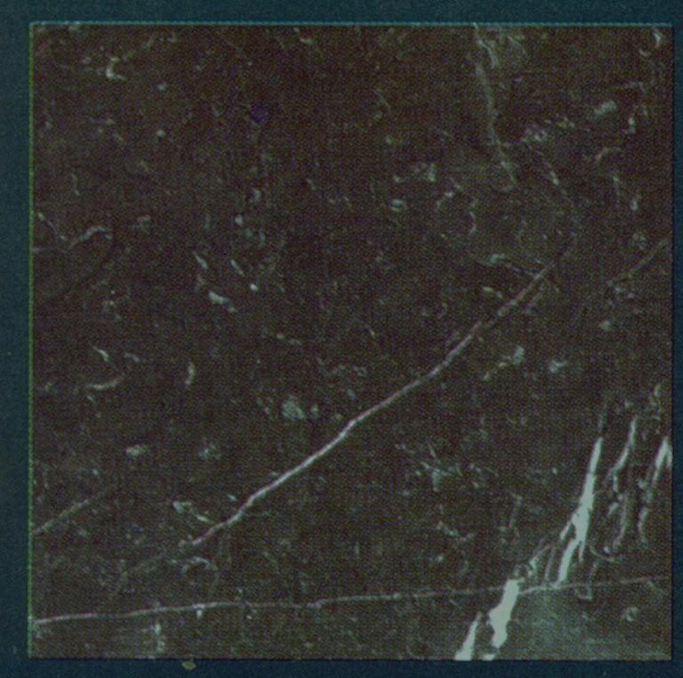 Détaille technique: NERO MARQUINA, marbre naturel antiqué et ciré espagnol