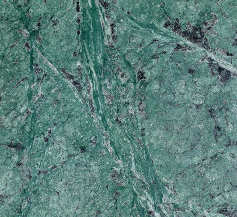 Détaille technique: TULIKIVI GREEN, marbre naturel brillant des Fidji