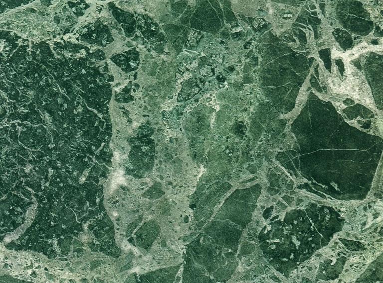 Détaille technique: VERDE IMPERIALE, marbre naturel brillant italien