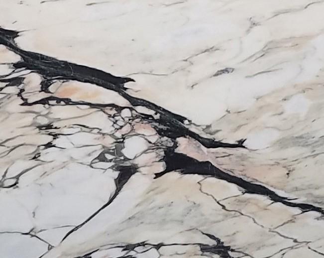 Détaille technique: STATUARIO CORAL, marbre naturel brillant portugais