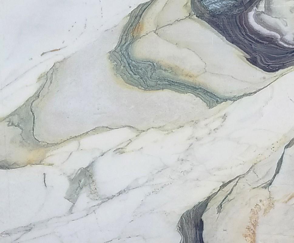 Détaille technique: CALACATTA FIORITO, marbre naturel scié italien